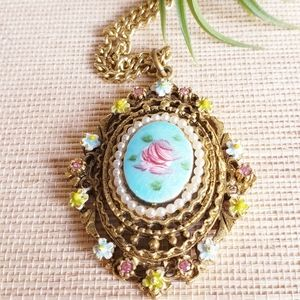 Vintage Floral Pendant Necklace